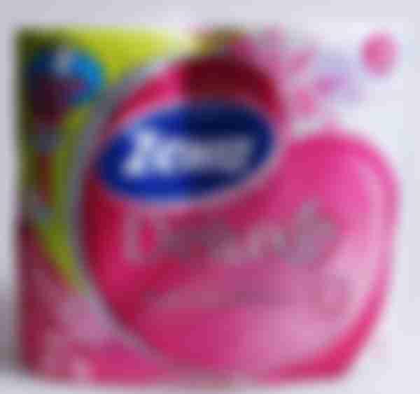 Туалетная бумага Zewa Делюкс с ароматом ромашки 4 рулона, 3 слоя